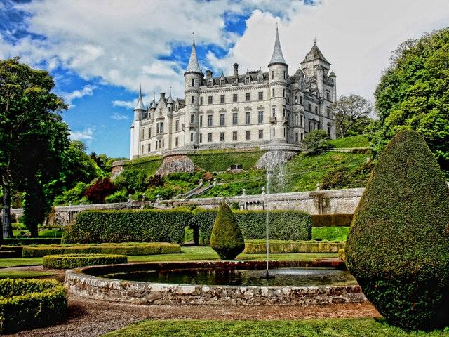 Ett slott på kullen